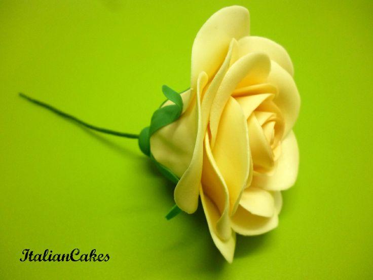 Rosa in pasta di gomma, video corso di fiori in gumpaste e pasta di zucchero