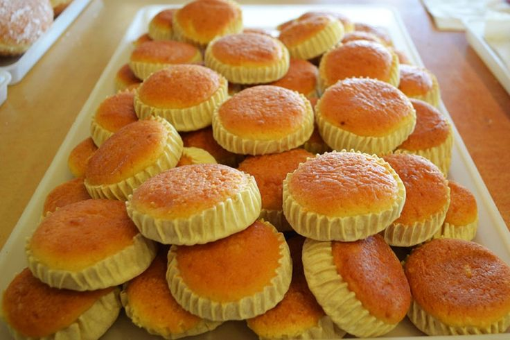 Try Meletinia from a pastry shop or bakery, it is a local sweet made only in #Santorini  #traveltips #Santoriniproducts