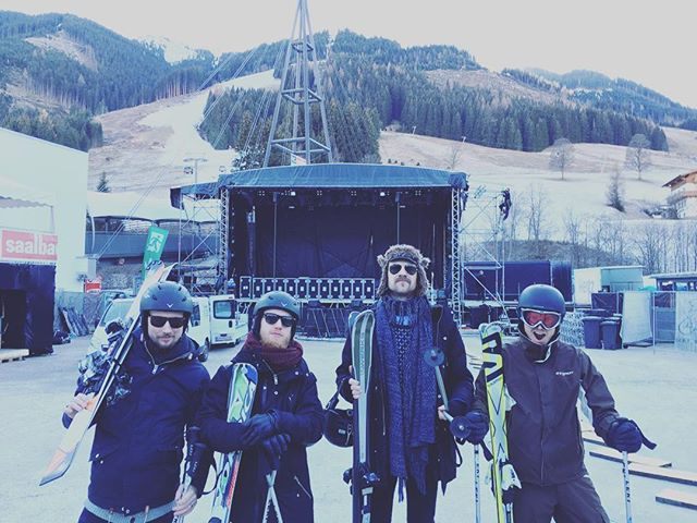 Goodbye Saalbach! We've had a kickass weekend! No broken bones (we think...), lot's of Rock and one tiny beer! Have a great week!  #royalrepublic #weekendman #bergfestival #saalbach
