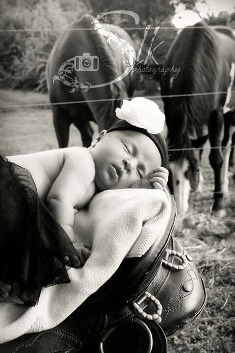 #photography#newborn#horse#field#country#pose#saddle#baby ©slkphotography