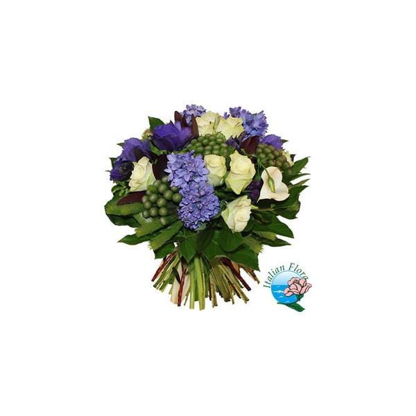 Bouquet di giacinti blu rose e lysianthus bianchi ❤ liked on Polyvore