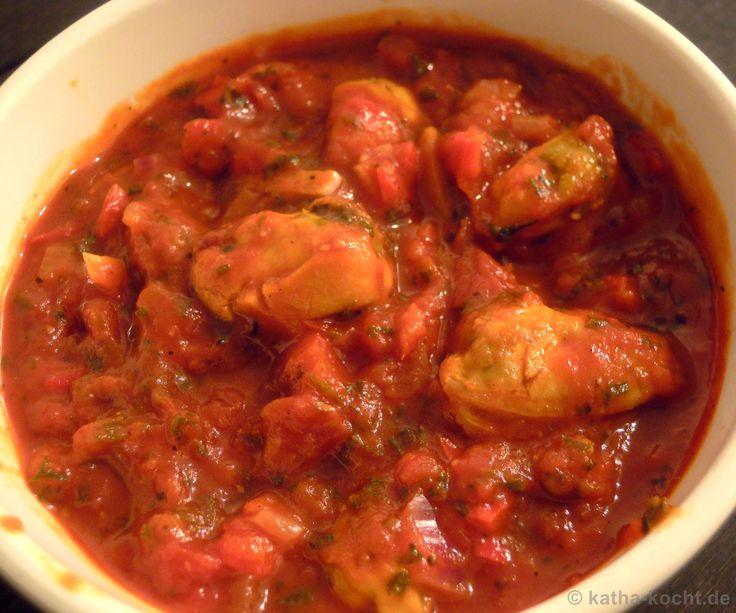 Tapas – Muscheln in Knoblauch-Tomatensauce Mein absoluter Favorit – neben den gefüllten Datteln im Speckmantel – waren diese Muscheln. Ich bestelle immer etwas in dieser Art wenn wir Tapas essen gehen und so durften sie auch hier nicht fehlen. Außer den Muscheln gab es diesmal noch zitroniges Rindfleisch, pikante, gebratene Salami mit Knoblauch, Thymianhackbällchen in...Weiterlesen »