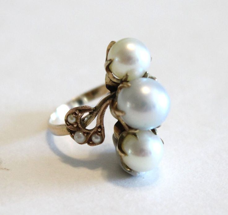 Vintage Gray & White Cultured Pearl Ring 14k Yellow Gold Size 6.5
