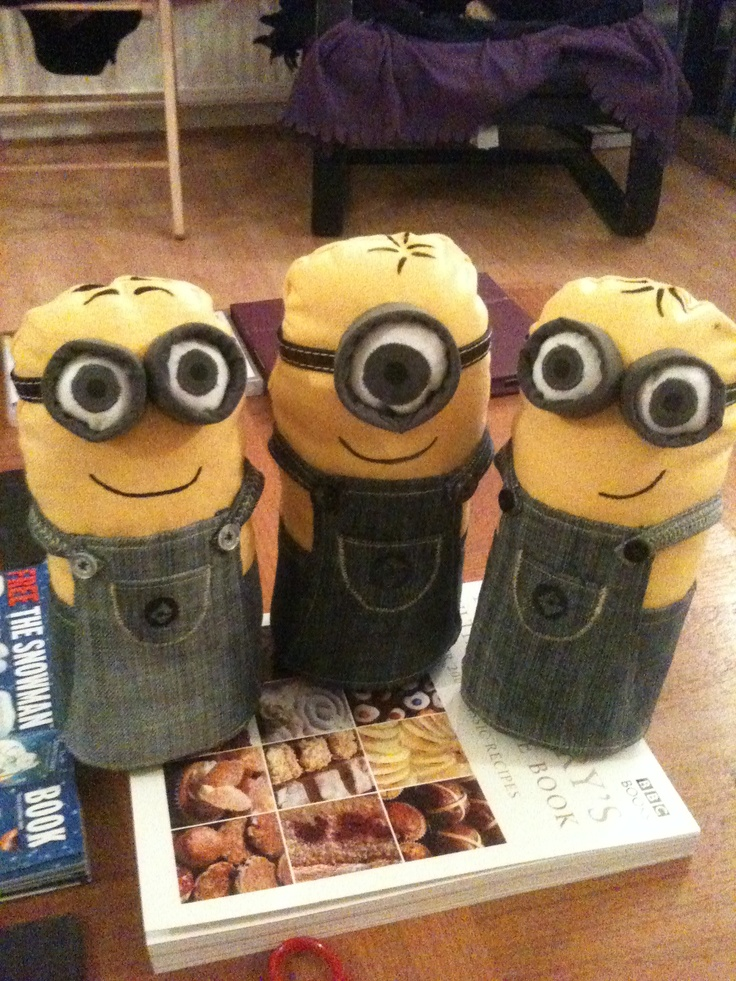 Making art and crafty things. I ask my sister what she wanted for Christmas. She said Minion (Despicable Me) doorstops! #makesmehappy @Blanca Prado Stuff UK