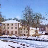 Les anciens #thermes à #Lacaune les Bains. Aujourd'hui l'#Espace des #Sources Chaudes http://www.tourisme-montsdelacaune.com