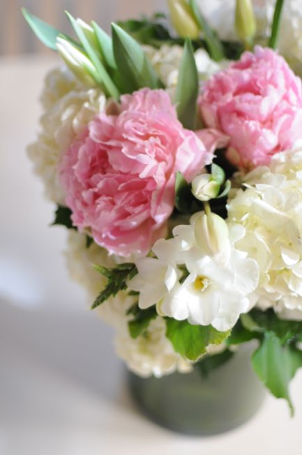 An Easy Floral Arrangement