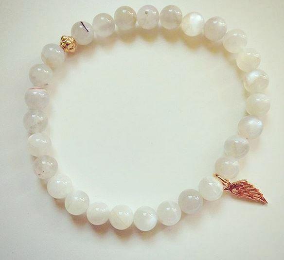 Bracelet made by Chios Jewelry. See post on blog Minimalistic Girl, to get discount! Bransoletka od Chios Jewelry. We wpisie kod zniżkowy na jej cudowną biżuterię!