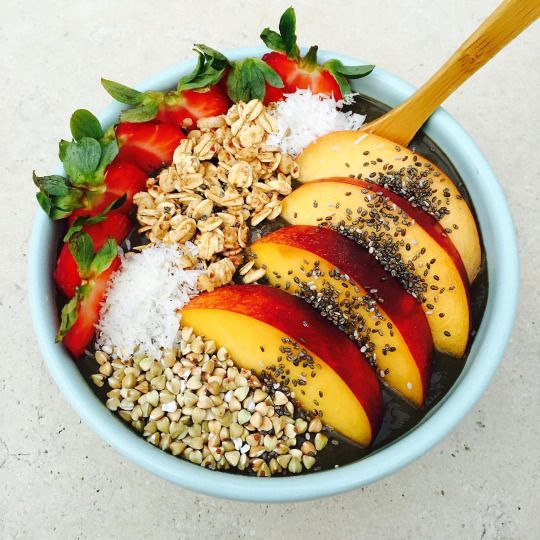 Every time I make an acai bowl, I remember that it's the only thing I ever want to eat again. Amazing