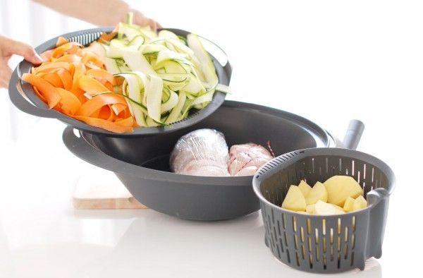 Receta de Crema de verduras, pollo y salsa suprema en la Thermomix, un plato completo en baso y varoma para sacar todo el partido a tu robot de cocina.