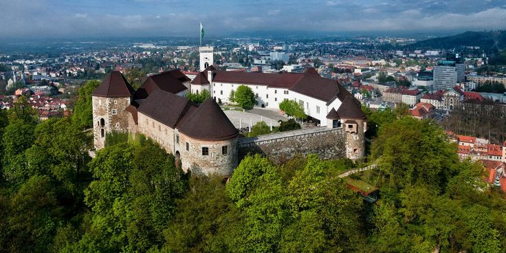 Ljubljanski grad Adults (10,00 EUR): Museum of Puppetry Ticket for the funicular railway - return Permanent Exhibition of Slovenian History Viewing Tower and Virtual Castle