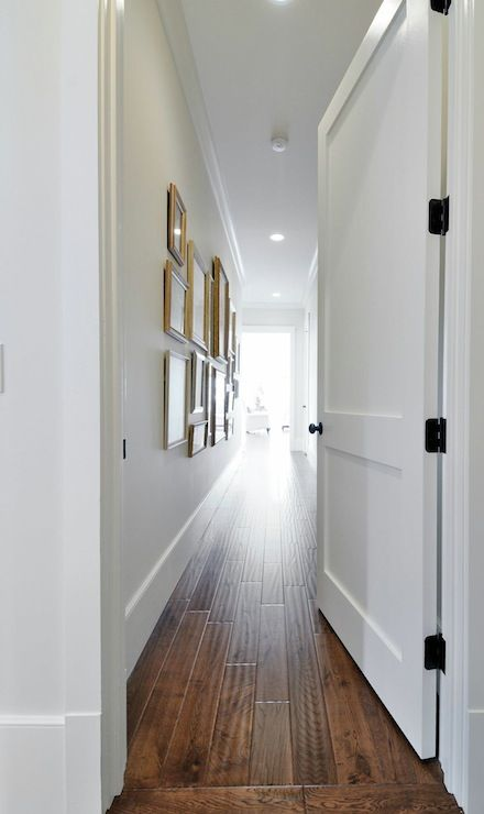 Insidesign entrances foyers hand scraped hardwood for Hardwood floors with white trim