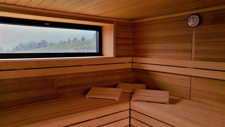 Panorama-Sauna #sauna #schwitzen #wellness #panorama #finnischesauna #meranerland #meetmerano #südtirol #altoadige #hotel hoteltörggelehof #erholung #relaxing #urlaub #holiday #vacation #spaday #southtyrol #vacanze #tscherms #cermes #merano