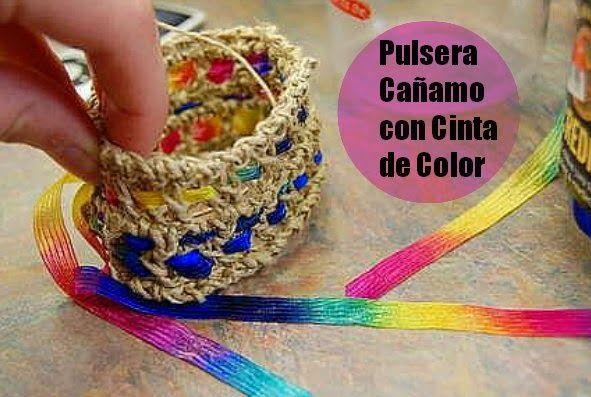 Con cuerda de cañamo o yute, según como se la conozca, la cinta en este caso de colores, pero pu...