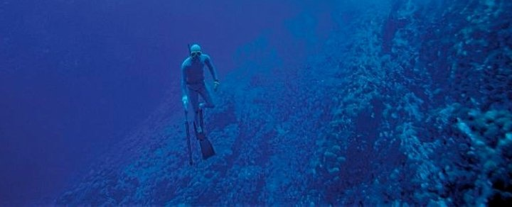 Diving in Rapa Nui #pinChile #adventure #sports