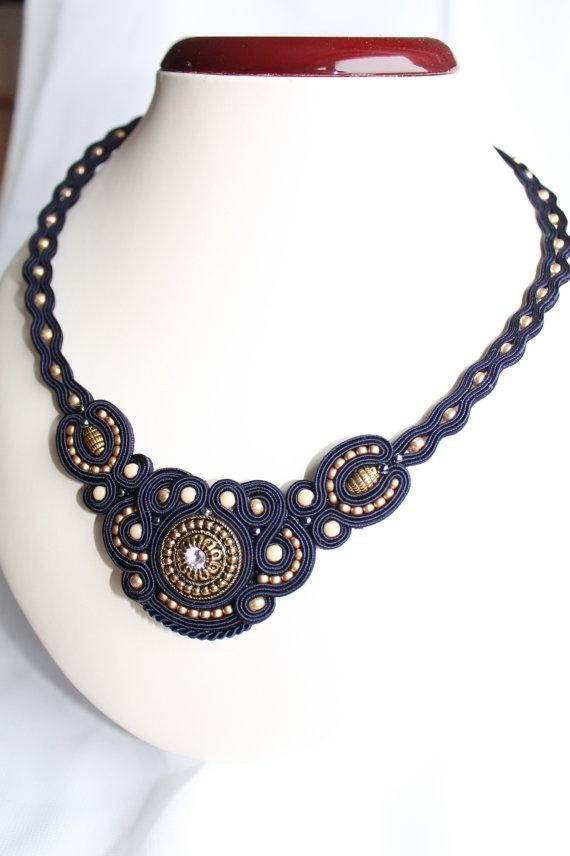 Dark blu soutache necklace van softamestist op Etsy, €35,00