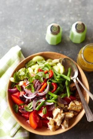 What does a 1500 calorie diet look like? Explore our collection of sample 1500 calorie meal plans and recipes to lose weight.