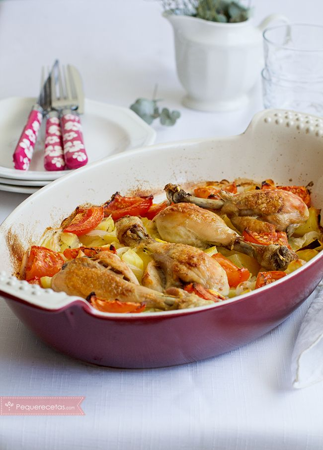 Los muslos de pollo en salsa es una receta fácil que nos encanta porque el trabajo lo hace el horno. Te contamos cómo hacer muslos de pollo en salsa paso a paso