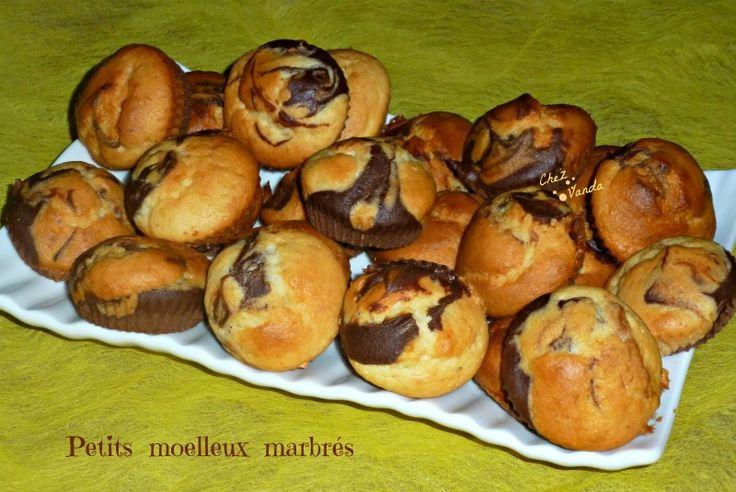 Et si nous préparions le goûter des enfants !!!! La recette initiale se nomme ** Cookies marbrés **** mais je ne trouve de ressemblance avec des cookies...j'ai donc changé le nom Recette extraite du magazine WW de novembre 2011 Total de la recette 64SP...