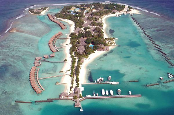 Sheraton Maldives Full Moon Resort & Spa   Distance from Airport: 16km   Number of rooms: 176