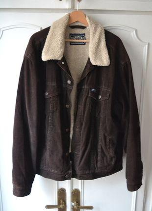 À vendre sur #vintedfrance ! http://www.vinted.fr/mode-hommes/bombers/23626816-veste-levis-signature-vintage-en-velours-cotele-brun-doublure-effet-peau-de-mouton-txl