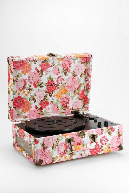 Floral Record PlayerUrbanoutfitters, Urban Outfitters, Old Records, Room Portable, Usb Turntable, Records Players, Portable Usb, Vinyls Records, Av Room