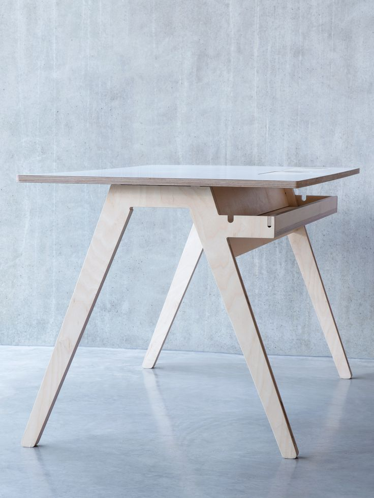 Office Olivia desk by Joni Steiner for opendesk.cc