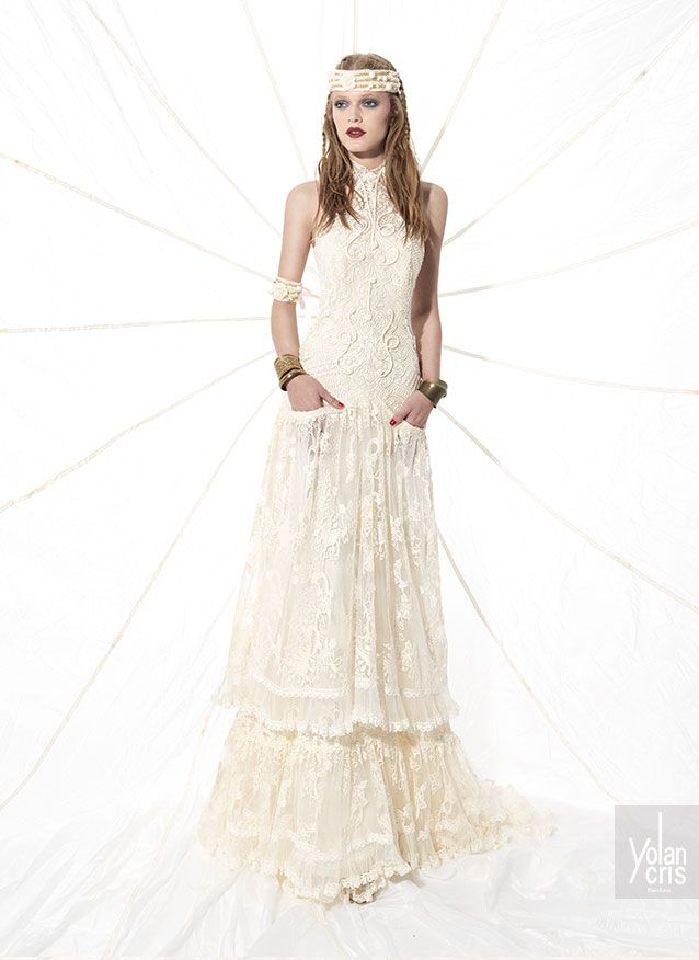Boho wedding dress made of silk guipur and crochet applications, all of them made by hand in the YolanCris atelier, This is the most youthful and free-spirited YolanCris bridal collection.