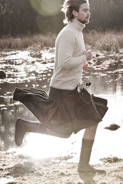 Man in kilt running http://static.guim.co.uk/sys-images/Guardian/Pix/pictures/2013/1/10/1357840399848/Mens-Knitwear-nine-differ-003.jpg