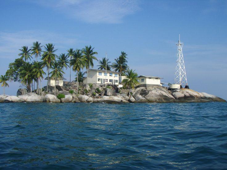 Berhala lighthouse [? - Berhala Island, Jambi, Sumatra, Indonesia]