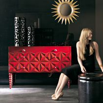 Traditional chest of drawers / wooden / red