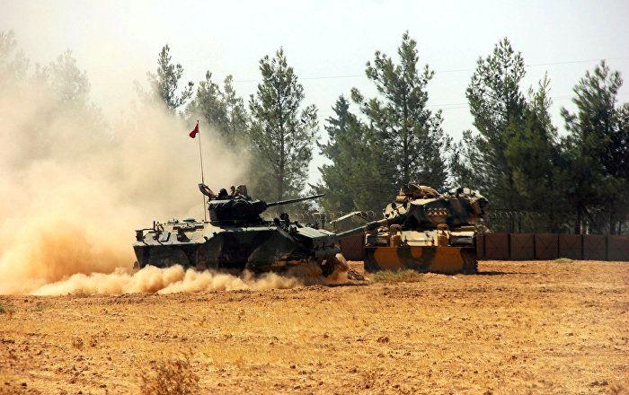 Das Vorgehen der türkischen Streitkräfte in Syrien verstößt laut dem syrischen Außenministerium gegen internationales Recht und UN-Resolutionen, wie die Nachrichtenagentur SANA meldet.