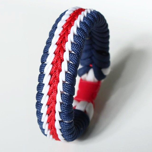 #Hilfiger #style #Stitched #fishtail #paracord #bracelet #CreatedByRP #AnotherHappyCustomer  #paracord550 #paracordfashion Rendelhető ez is! fb.com/CreatedByRp