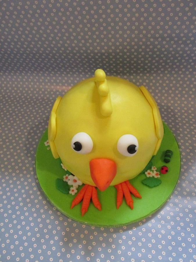 Páscoa 2014   Happy Easter! - Carrot Cake, covered in buttercream and decorated with fondant.