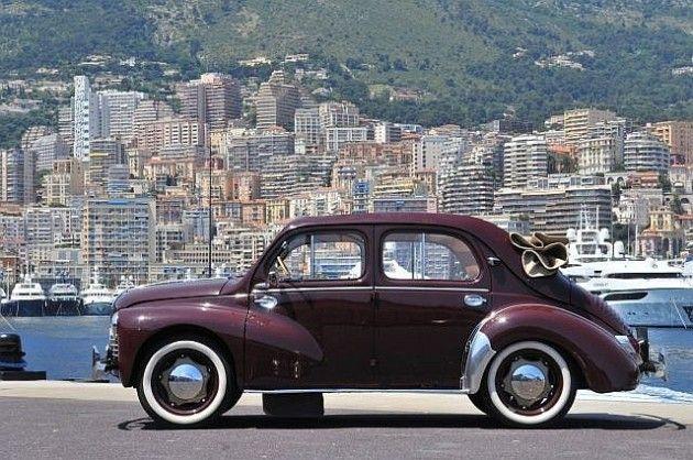 Renault 4 CV (1947-1961) elle à été ma première voiture en 1966, elle n'avait pas 26000 km, achetée 500 Francs !!