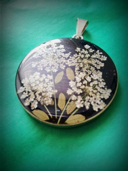 Vintage locket black flowers http://mexicanjewelry.yokaboo.com