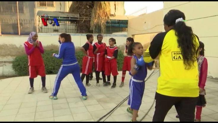 Dunia tinju yang identik dengan olahraga bagi pria ternyata diminati oleh remaja putri di kota Karachi, Pakistan. Meski tekun berlatih dalam klub tinju lokal, mereka harus berjuang lebih keras untuk bisa berjaya di tingkat internasional. Versi awal dipublikasikan pada - http://www.voaindonesia.com/a/perjuangan-petinju-putri-di-karachi/3651368.html