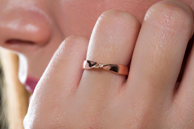 Mobius ring, SOLID GOLD, rose gold pink, enamel ring, KI4 GOLD ring, infinity ring eternity, wedding band, rose mobius gold, trendy ring by largentolab on Etsy