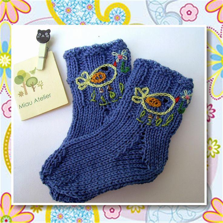 Miau Atelier  Workshop  Meia para bebê em tricô meias f1778deffdd
