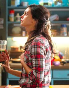 In another pic from Deadpool, we see the protagonist speaking with a girl in what seems to be a kitchen of sort. The girl is Vanessa, who will be portrayed ...