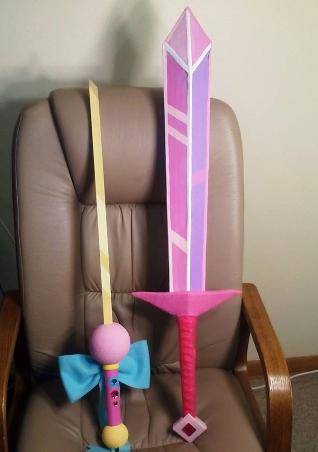 Fionna's Crystal Sword & Fionna's Wish Sword (from the comics) combined with her new sword in the third episode - they were so similar and awesome that I didn't see a point to making a third sw...