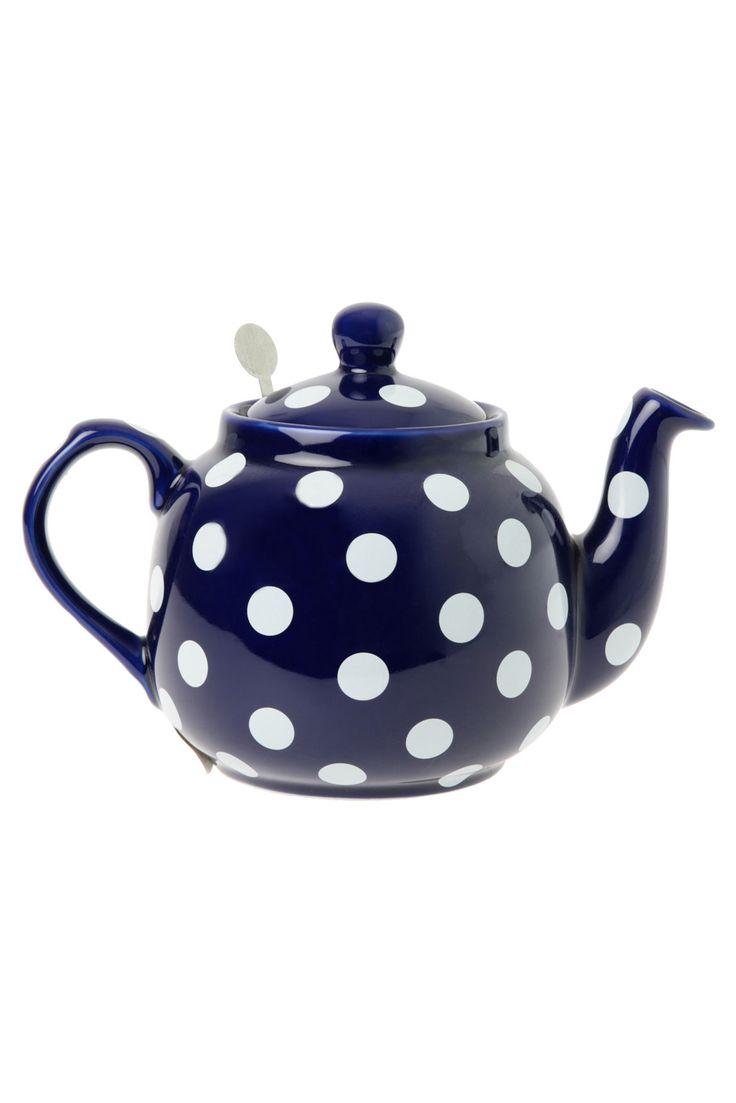 ♥ polka dot Teapot..  the navy blue makes the indigo color dance...
