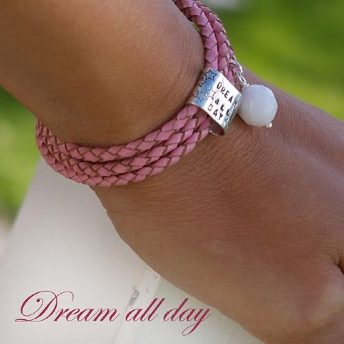 Dream all day bracelet. Handmade by Pako korut.
