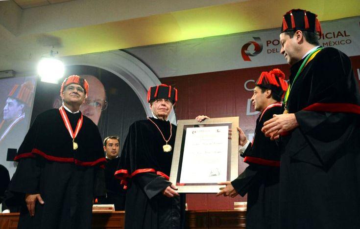 José Narro Robles, investido con Doctorado Honoris Causa por Escuela Judicial del Estado de México - http://plenilunia.com/noticias-2/jose-narro-robles-investido-con-doctorado-honoris-causa-por-escuela-judicial-del-estado-de-mexico/41391/