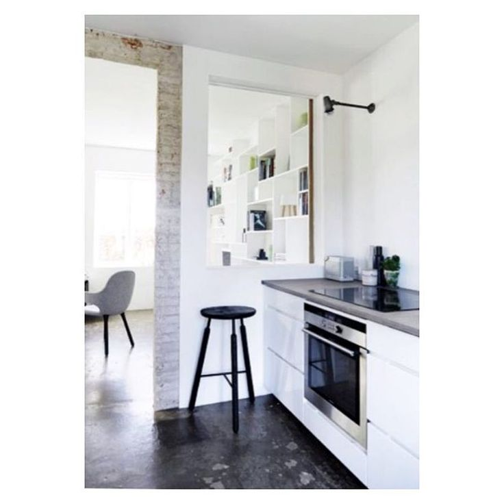 Jewellery designer @vonlotzbeck s beautiful home with a Kvik kitchen - her tabletop in birch is so hard, that she doesn't need to use a chop board  Cred: @modemagasinet_in #kvikkitchen#danishdesign#vikingquality @andtradition @menuworld