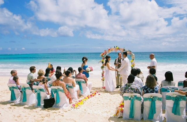 Summer is the best time to get married where sunshine is abundant; the flowers are blooming, and there is a festive feeling in the air.