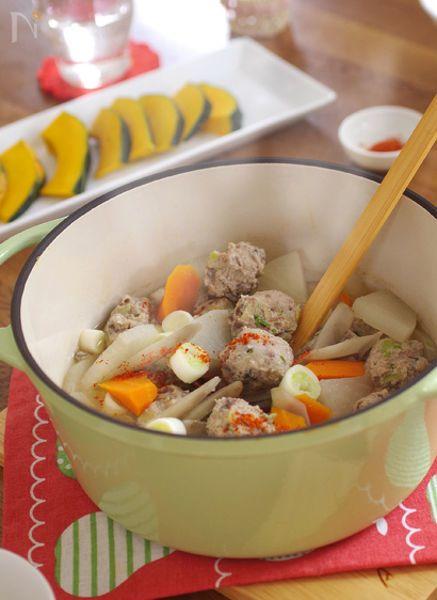 ふわふわの秋刀魚のつみれと、野菜の甘みを引き出しただんご汁。秋刀魚は血流を促進し、胃腸の働きを高め、体の調子を整える働きがあります。生姜や葱、唐辛子などの組み合わせで、体を内側から温める、温活ぽかぽかメニューです。
