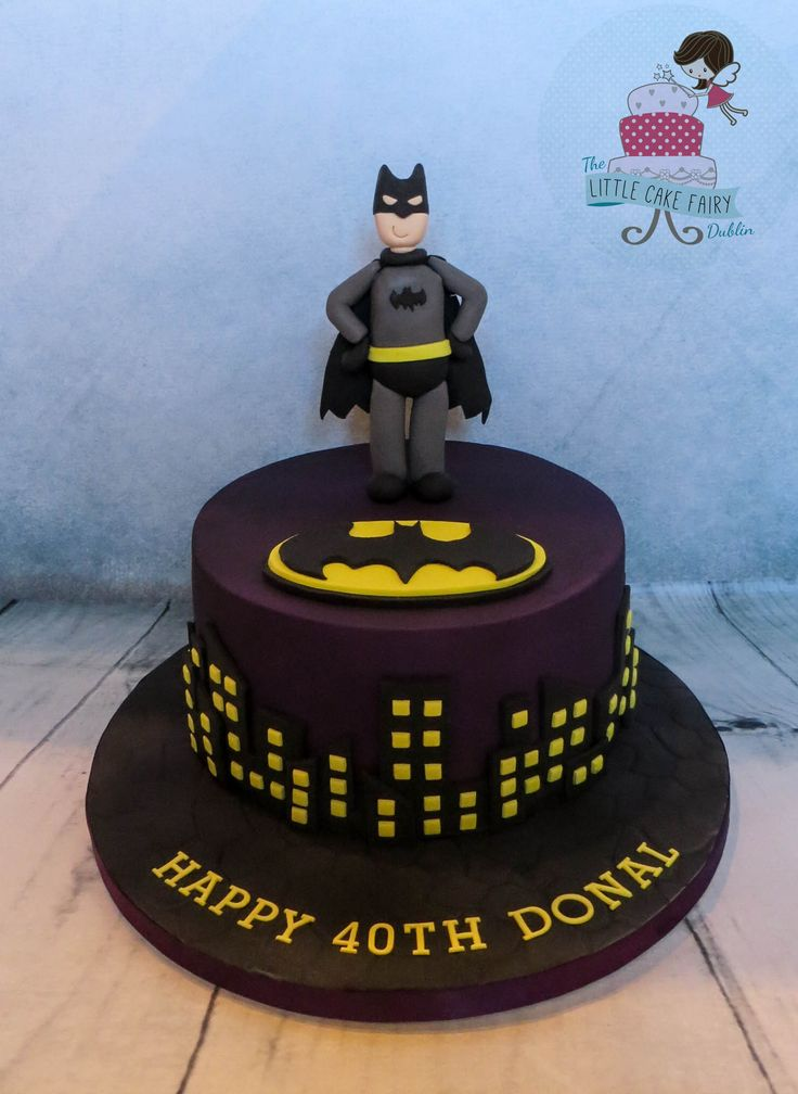 Batman 40th birthday cake   www.littlecakefairydublin.com www.facebook.com/littlecakefairydublin