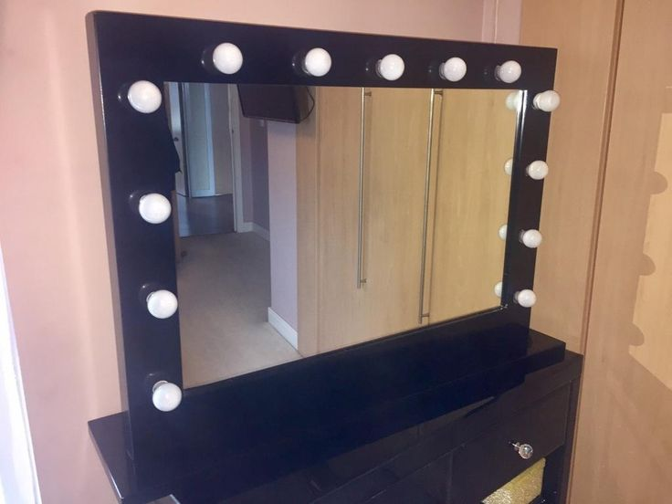 Black Dressing Table Mirror With Lights