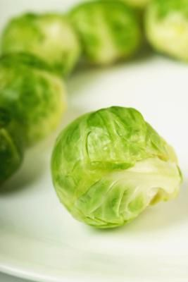 Foods That Are High in SulforaphaneGardens Ideas, Fresh Brussels, Roasted Brussels Sprouts, Dresses Recipe, Cleaning Fresh, Thanksgiving Recipes, Holiday Recipes, Sprouts Plants, Brussel Sprouts