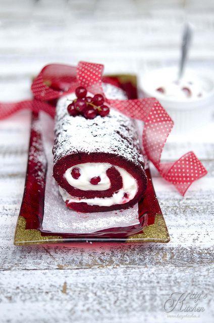 red velvet roll by Elisakitty's Kitchen